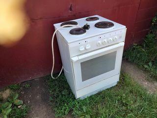 плита электро в хорошем состоянии