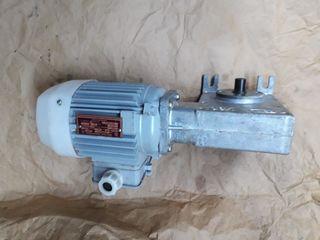 Продам электродвигатели, вентиляторы и редуктора разные (не дорого)