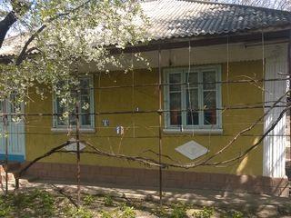 Продаётся дом в пгт Костешты