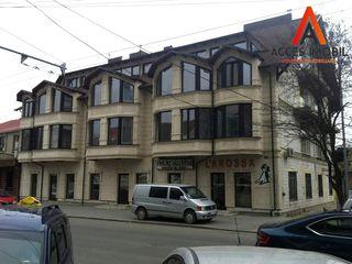 Chirie! Centru, str. Vasile Alecsandri, 2 odăi+mansardă, 77 m2, et.3/4, Apartament de lux!