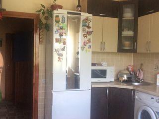 Vind apartament cu 3 odai!!Singera/Dobruja25000euro(Negociabil)