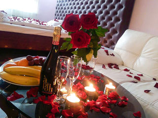 Cere-ti iertare printr-o seara romantica la hotel de lux incepind cu 699 lei,150 lei ora