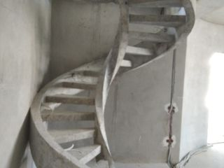 Scari din beton     Бетонные лестницы