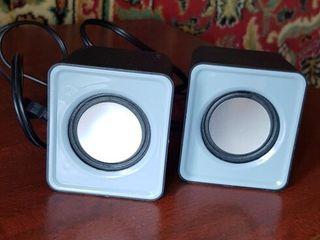Динамик, активная акустическая 2.0 система, компактные размеры, в нерабочем состоянии. Ц-20лей
