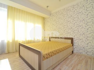 Apartament 3 camere, 135 mp, Centru  1200€