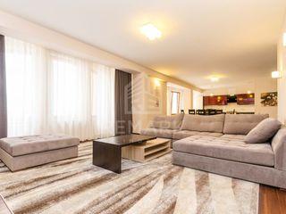 Chirie  Apartament cu 3 odăi, Centru,  Ștefan cel Mare, 1250 €