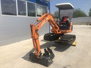 Miniexcavator Hitachi EX15 1500 kg in stare perfecta