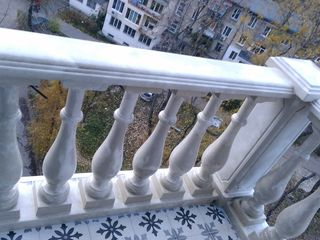 Balustrada din beton sunt mai ieftine decât balustradele din fier forjat