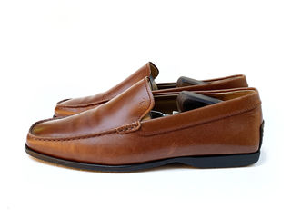 Tods Leather Loafer. Размер 42, в идеальном состоянии. Оригинал.