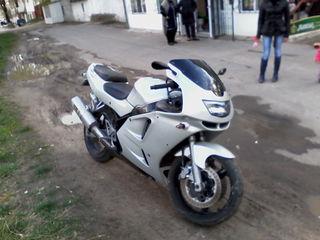 Kawasaki ninzea zx r6