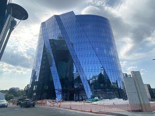 Сдаем коммерческую недвижимость 40м2 в элитном бизнес центре на Штефан чел Маре! Панорамные окна!