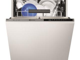 Посудомойка Electrolux ESL7325RO  Встраиваемая/ A+++/ Серебристый