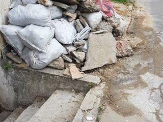 Evacuarea gunoiului rapid si fara zgomot, hamali