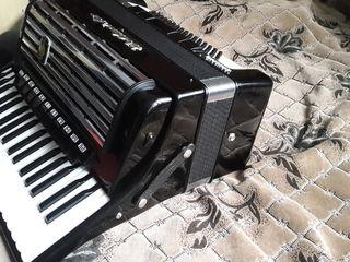 Новый профессиональный аккордеон Weltmeister Consona 16 регистров!!