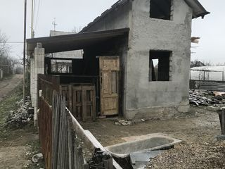 Constructie nefinisata vila, extravilan construita pe lot pomicol