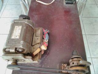 перемоточное устройство, 220 вольт, на пружинах для перемотки лески, шнура, ниток, тонкого провода