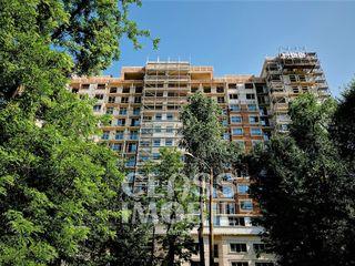 Apartament cu 2 camere+ living, str. titulescu, botanica