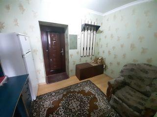 Se vinde  25 m2 divizat în 2 odai cu bucatarie si baie proprie a doua linie de la Alba-Iulia