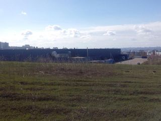 Продам участок 4 сотки земли под строительство.Cтавчены возле Metro-1