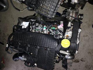 motor 1.5 dci se poate si pe piese este tot+reparatie