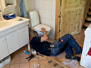 Curatirea canalizarii 24 сантехник desfundarea canalizarii чистка канализации замена
