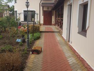 продается дом на трассе  кишине  -  кетросы