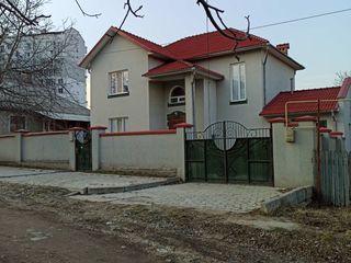 PROPRIETAR'' Casa Durlești, str-la Codrilor! 178m2 + 10ari+cu intrarea de pe 2 strazi paralele !