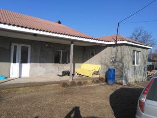 Se vinde casa in satul  Horesti  de urgenta