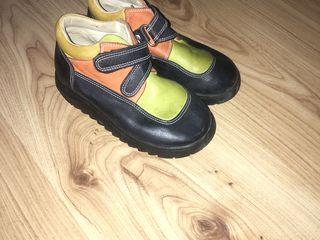 Обувь б/у туфли 23, 27, 36 кроссовки 22, 36, 37.5