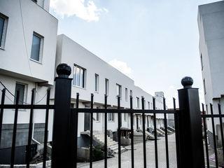 Spre vinzare TownHouse in 3 nivele cu terasa spatioasa, sec. Riscani! 160 m.p.!