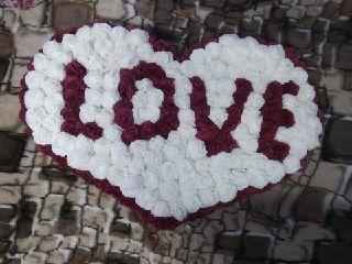 Inimioare din trandafiri realizati manual