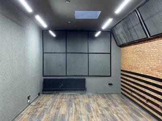 Bd.Stefan cel Mare, 69. Cдаются помещения от 15 -100  м2 под офисы, call center, массажные кабинеты.