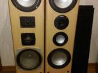 Продаю  две колонки Magnat 170/340W 4-8 Om...19-35000Hz...91 dB