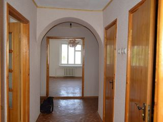 Apartament cu 3 odai soroca noua linga stomatologie 5 din 5 urgent