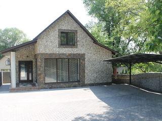 Casa noua in Falesti