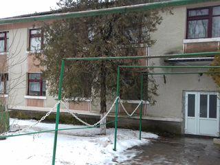 Перспективный дом-125 евро/м2 +25 соток земли Бельцы- Елизавета(центр)