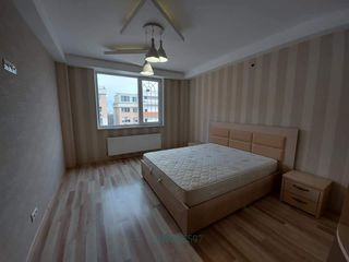 Apartament 2 odai+living 87m Str Melestiu 26/4