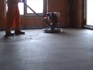 Steajca (sapa semiuscata) cu amestec uscat (beton uscat)