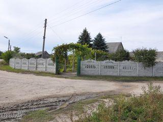 Casă în satul Gura Bacului str. Ion Soltâs 9 12 500 €