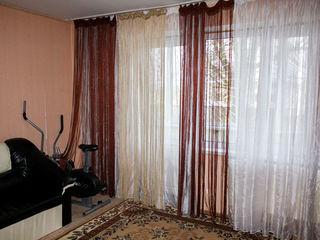 Предлагается 2-комнатная квартира 1/10 на 28 Июня 18000$