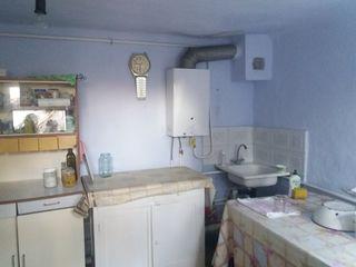 Se vinde casa la pamint 80 m2, 6 ari-28000 euro