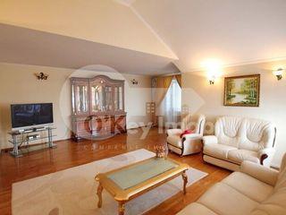 Pușkin! apartament in 2 nivele, 4 camere, 750 € !