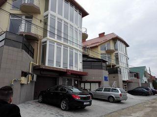 Apartament Townhouse cu 2 nivele  in bloc nou. Euroreparatie. Mobilat. Sec. Riscani. Gratiesti!!!