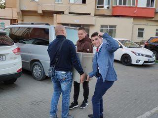 Hamali, mașini , evacuarea gunoiului , tra raportarea mobilei