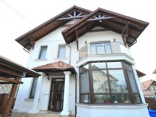 Casă cu 2 nivele, Dumbrava, str. Petru Movilă,  239000 € !