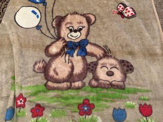 Детские одеяла тёплые и один большой плед , каждый 100 лей