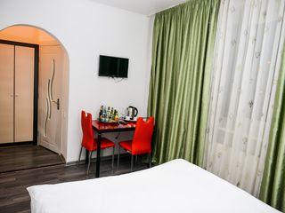 Camera pe ore in Hotel de la 90 lei