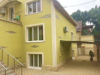 Foarte urgent vand casa cu 2 nivele, 225 m.p Durlesti !