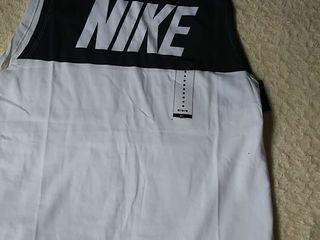 Urgent tricou Nike Marimea M 250lei