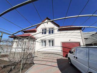 Spre vânzare, casă în 2 nivele, 130 mp, reparație euro, încălzire autonomă! Or. Sângera